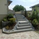 Escalier en blocs marche grenaillé basalthe_Grand Charmont