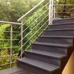 Escalier en marche, contre-marche en granit gris moyen_Valentigney