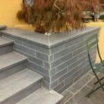 Parement en granit gris moyen poncé_Valentigney
